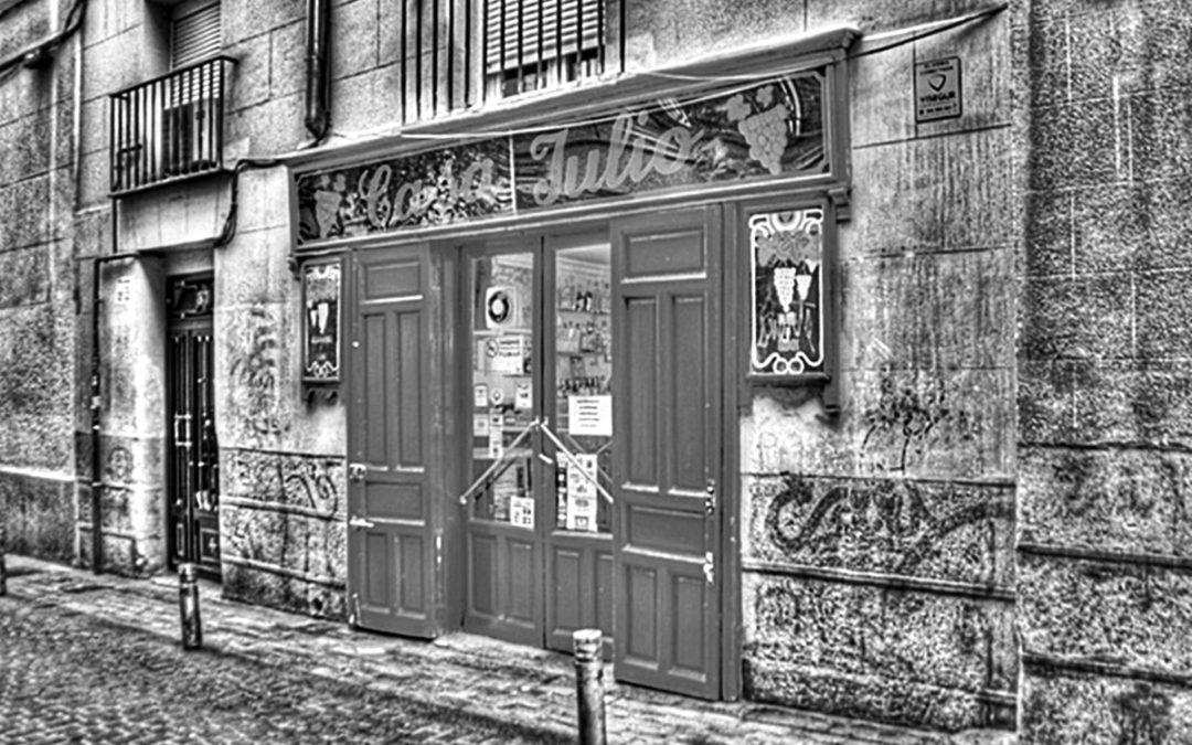 Casa Julio + Casa del Pez + Fabuloso Club + Absenta
